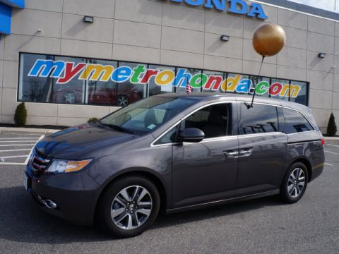 Certified Pre-Owned 2016 Honda Odyssey 5dr Touring FWD Mini-van, Passenger